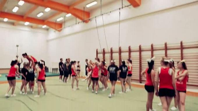 Cheerleader promo videó